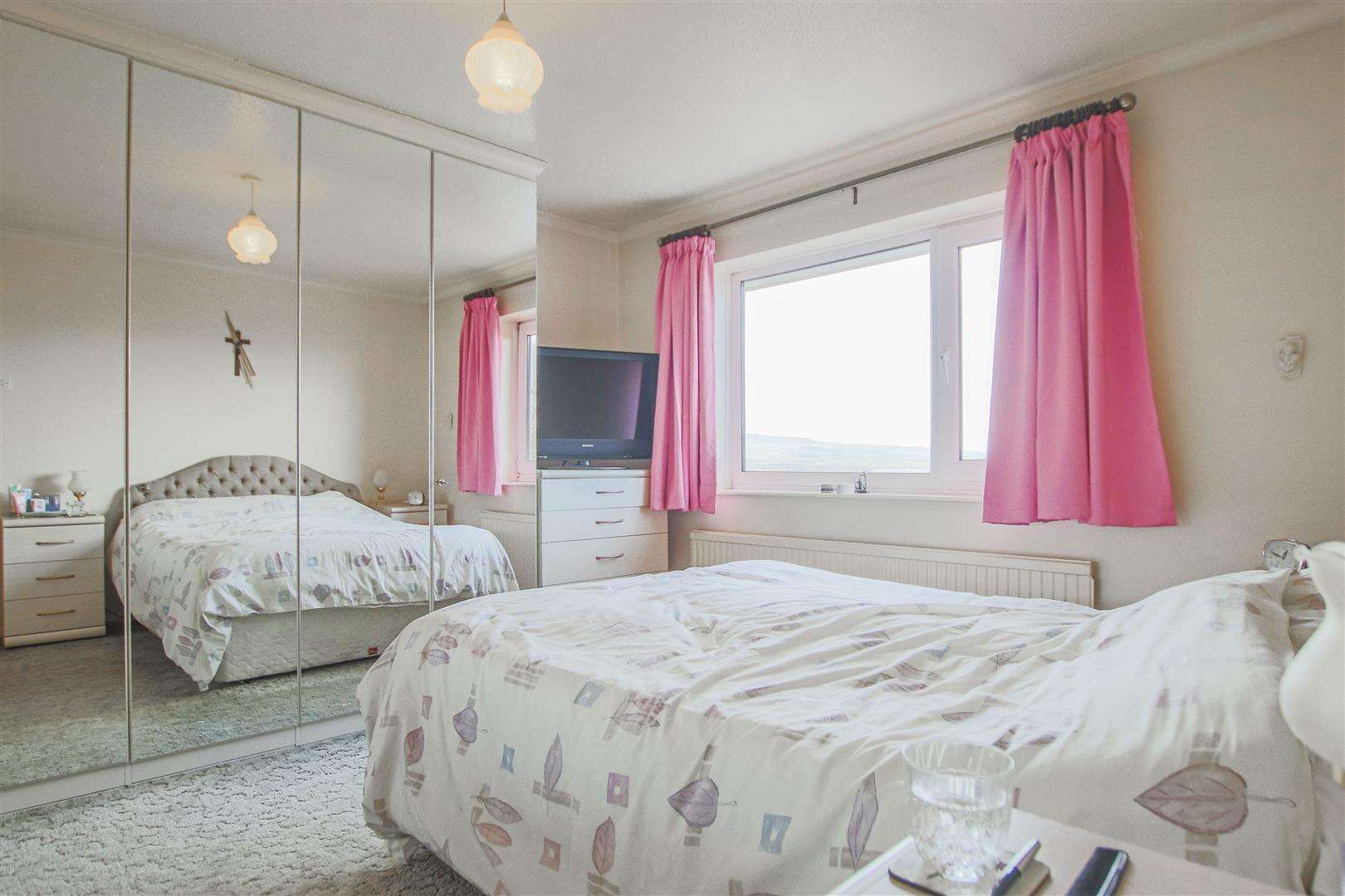 4 Bedroom Detached House For Sale - 25.JPG